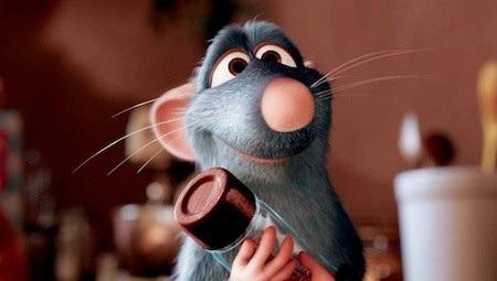 """Remy trong phim """"Ratatouille"""" (2007) là một chú chuột có lòng yêu thích ẩm thực và ao ước trở thành đầu bếp dẫu cho đó là một ước mơ không ai tin nổi. Dẫu vậy, đến cuối phim, Remy đã thỏa nguyện ước mơ và rõ ràng, bất luận xuất phát điểm của bạn có tồi tệ như thế nào thì bạn vẫn có quyền mơ và phấn đấu vì ước mơ ấy."""