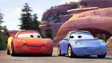 """Nhân vật chính của """"Cars"""" (2006), Lightning McQueen đã từng có lúc ngủ quên trong chiến thắng, tự kiêu và xem thường cả đội ngũ mình. Chỉ đến khi nhận ra vai trò của cả đội, Lightning McQueen mới tìm lại được sức mạnh và được đồng nghiệp, thầy cô, bạn bè cùng fans hâm mộ tiếp thêm động lực chiến thắng."""