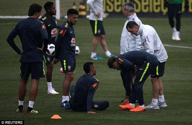 Brazil cũng gặp nhiều vấn đề về chấn thương của các cầu thủ