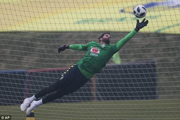 Thủ thành đang khoác áo AS Roma, Alisson sẽ là lựa chọn số 1 của Brazil ở World Cup 2018