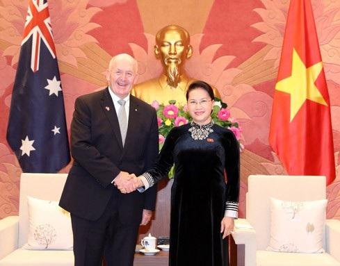 Chủ tịch Quốc hội Nguyễn Thị Kim Ngân hội kiến Peter Cosgrove (ảnh: Đại biểu Nhân dân)
