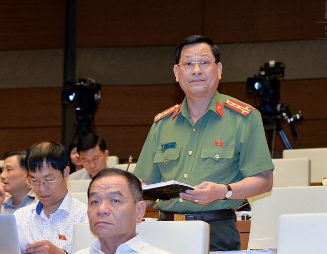 Đại tá Nguyễn Hữu Cầu- Giám đốc Công an tỉnh Nghệ An.