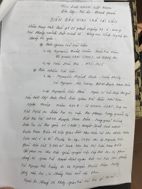 Ngày 13/5/2009, Phòng Cảnh sát kinh tế Công an tỉnh Nghệ An tiếp hành giao trả tài liệu trên dưới sự chứng kiến của cá nhân ông Nguyễn Tân Phúc....