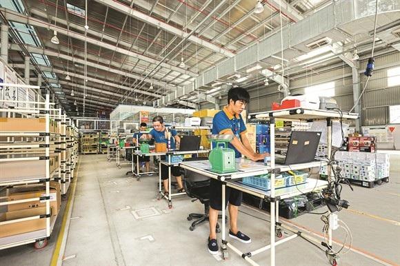 Liên tiếp các cuộc đổ bộ, rót vốn từ các đại gia cho thương mại điện tử Việt Nam.