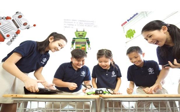 UK Academy giáo dục cho học sinh nền tảng phát triển toàn diện.