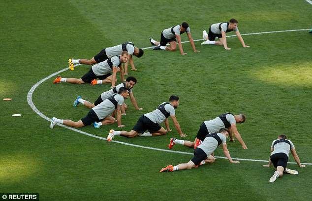 Real Madrid và Liverpool hừng hực khí thế trước trận chiến lịch sử - 11