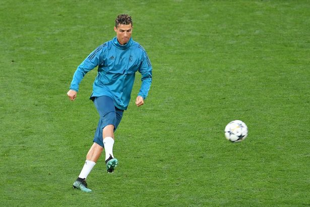 Real Madrid và Liverpool hừng hực khí thế trước trận chiến lịch sử - 4