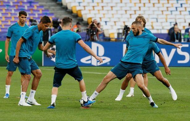 Real Madrid và Liverpool hừng hực khí thế trước trận chiến lịch sử - 7