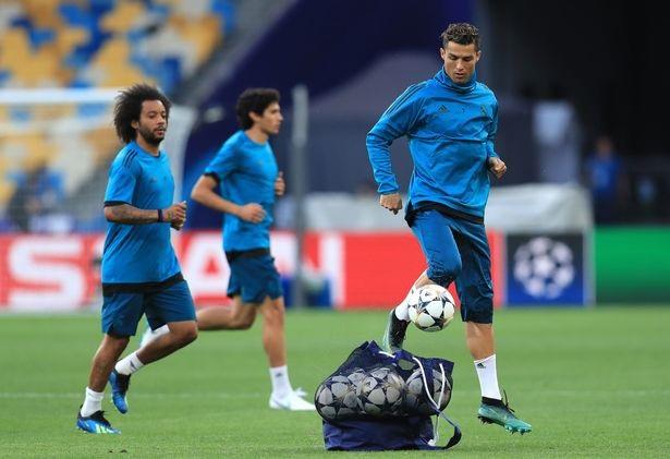 Real Madrid và Liverpool hừng hực khí thế trước trận chiến lịch sử - 8