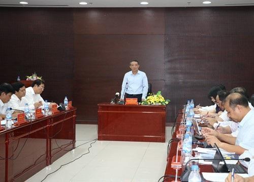 Trong buổi làm việc với Sở Kế hoạch - Đầu tư TP Đà Nẵng hôm 3/5, Bí thư Thành ủy Trương Quang Nghĩa phê bình công tác nhân sự ở sở này; trong đó, có việc chậm tìm người bổ nhiệm 2 vị trí Phó GĐ Sở