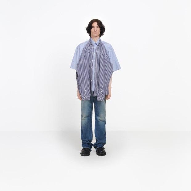 Nếu bạn muốn tìm kiếm một thiết kế nghiêm túc hơn, vậy sẽ có một lựa chọn thứ hai, đó chiếc áo sơ mi gắn áo sơ mi có giá 935 bảng (hơn 28 triệu đồng).