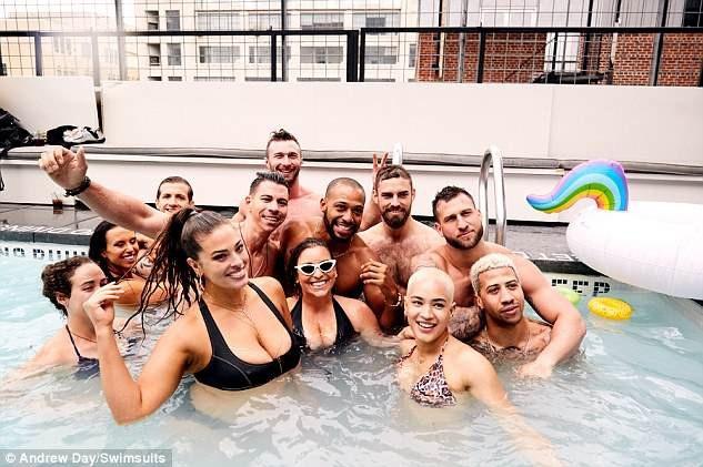 Ashley Graham thư giãn bên bạn bè trong kỳ nghỉ cuối tuần tại New York
