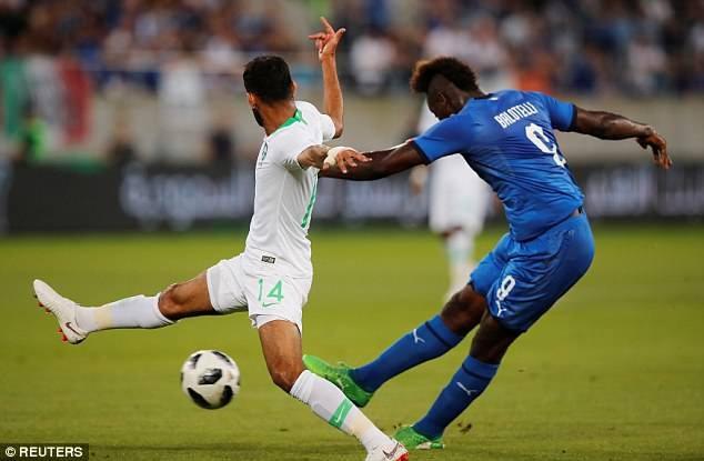 Balotelli lập công, Italia đánh bại đội bóng dự World Cup - Ảnh 4.