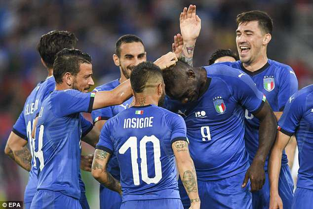 Balotelli lập công, Italia đánh bại đội bóng dự World Cup - Ảnh 1.
