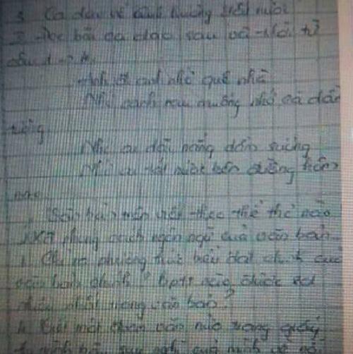 Đề thi giữa kỳ và đề trong vở chép tay của học sinh trong vụ việc lộ đề thi tại Trường THPT Thủ Thiêm từng gây xôn xao vào năm học trước