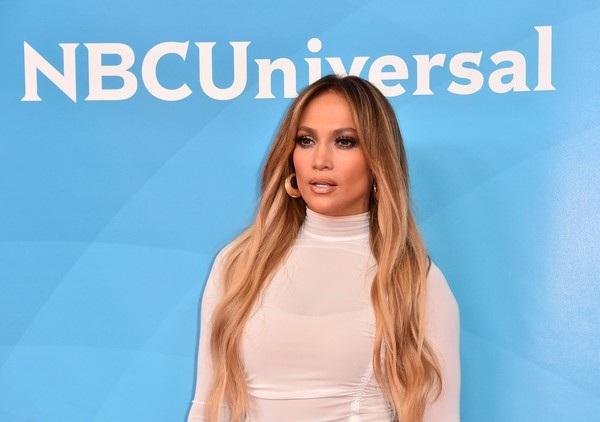 Giám khỏa chương trình gồm có Jennifer Lopez, Ne-Yo, Derek Hough, Jenna Dewan
