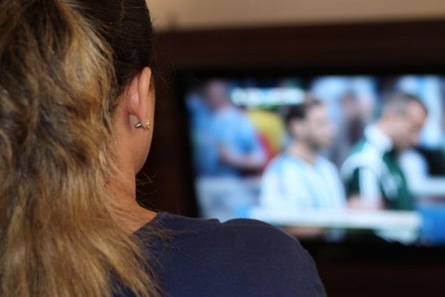Xem TV cũng là một nghề hái ra tiền.