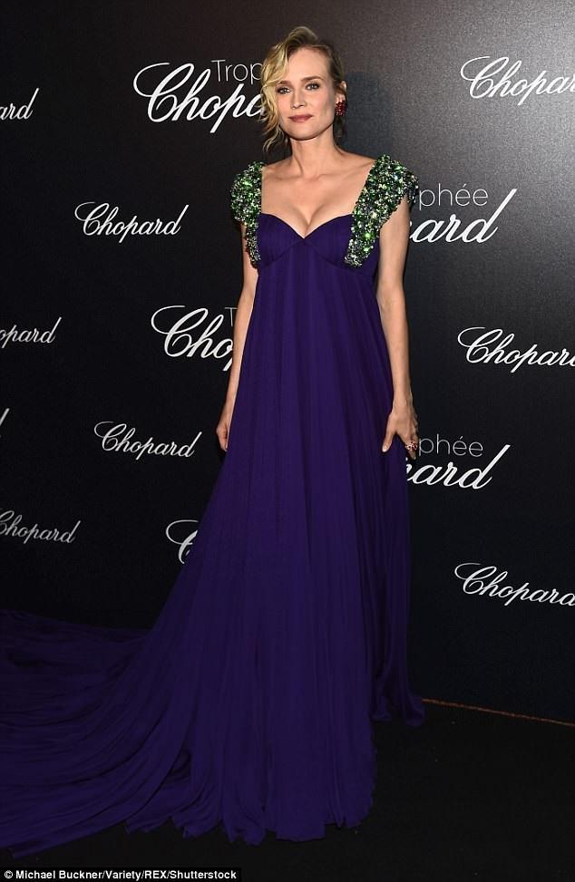 Ngôi sao phim Troy Diane Kruger được cho là đang mang thai đứa con đầu lòng ở tuổi 42