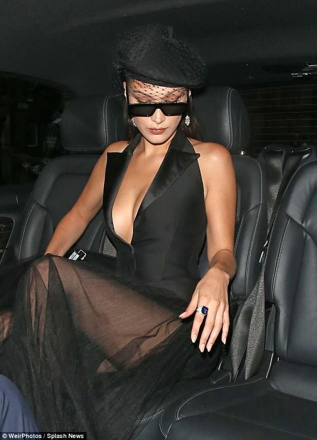 Bella Hadid hút mọi ánh nhìn khi xuất hiện trong sự kiện