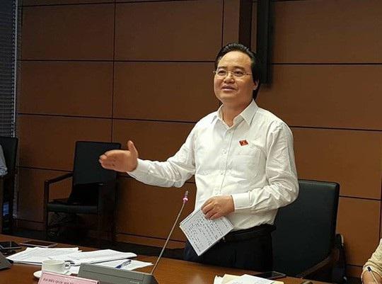 Bộ trưởng Bộ GD-ĐT Phùng Xuân Nhạ.