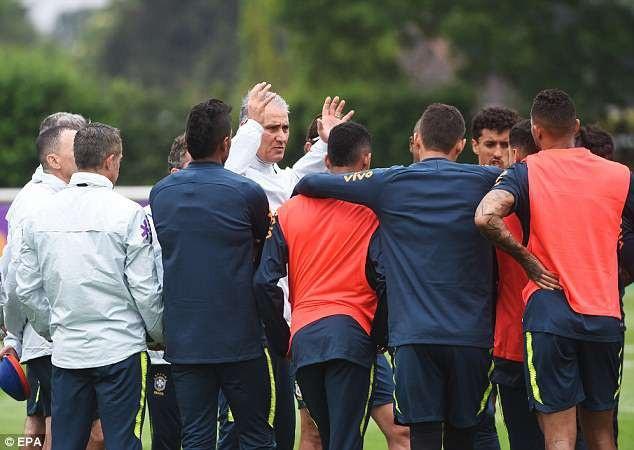 Gạt nỗi buồn ở Champions League, sao Liverpool hội quân chuẩn bị World Cup - 2