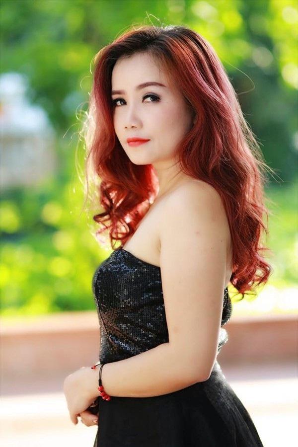 """Hoàng Yến được khán giả mệnh danh là """"nữ diễn viên lẳng lơ nhất màn ảnh Việt""""."""