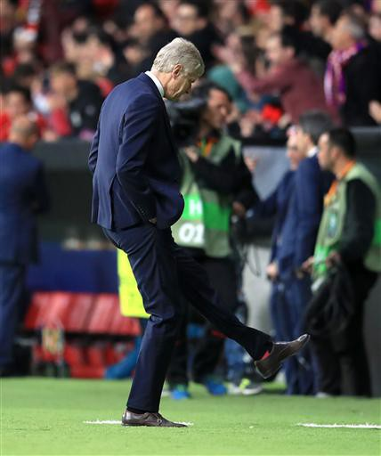 HLV Wenger không thể làm gì hơn để giúp Arsenal cải thiện màn trình diễn