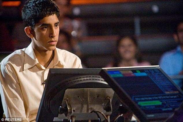 """Cảnh phim """"Slumdog Millionaire"""" (Triệu phú ổ chuột - 2008)"""