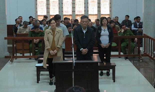 Cặp đôi chồng Hàn, vợ Việt lừa xuất khẩu lao động hàng trăm người - 1