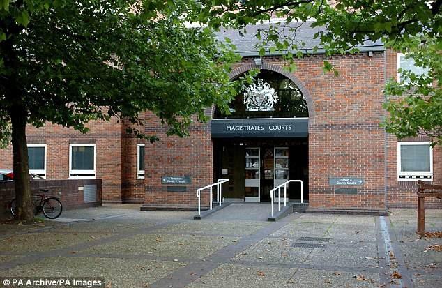 Nhà chức trách địa phương ở thành phố Norwich (Anh) hiện đang phải đối diện với một vụ việc kỳ khôi hiếm thấy.