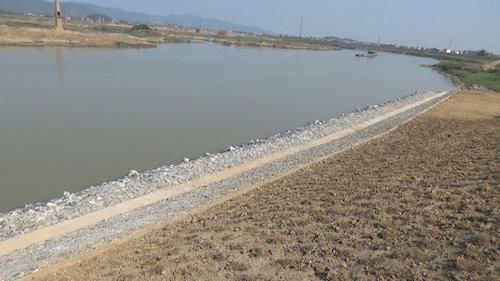 Hậu quả của dự án nạo vét luồng tuyến là sông Cầu được khơi thông chưa thấy đâu mà tỉnh Bắc Ninh đang phải bố trí 30 tỷ đồng từ nguồn kinh phí của tỉnh để xử lý sự cố sạt lở.