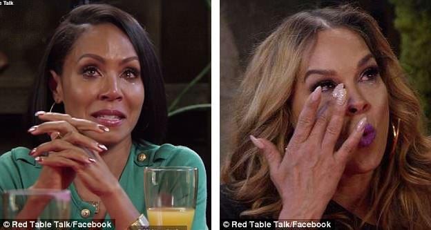 Nữ diễn viên Jada Pinkett Smith (trái) đã có cuộc trò chuyện cảm động với người vợ đầu của chồng - cô Sheree Zampino Fletcher (phải).