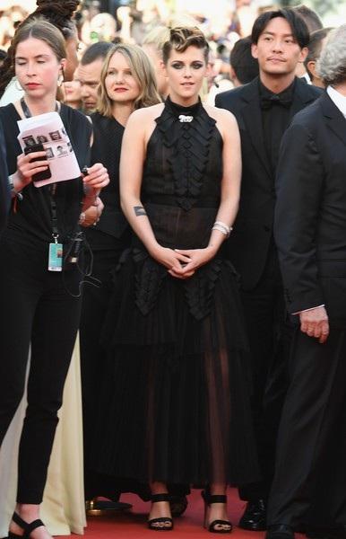 """Kristen Stewart """"chuẩn men"""" dự LHP Cannes - 12"""