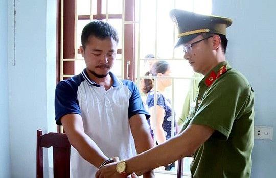Nguyễn Duy Sơn bị cơ quan công an bắt giữ.