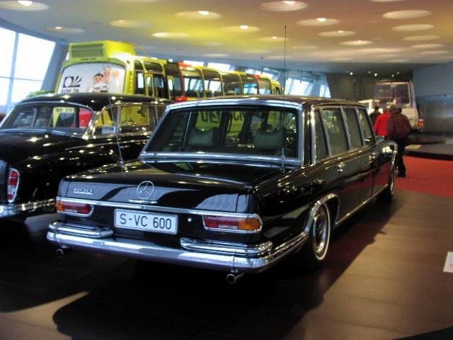 Xe Mercedes 600 Pullman tại bảo tàng Mercedes (Ảnh: Wikipedia)