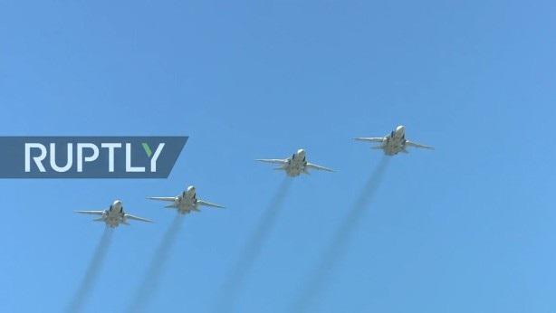 Nga trình diễn hàng trăm khí tài trong lễ duyệt binh mừng ngày Chiến thắng - 13