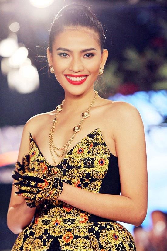 Năm 2018 cũng đánh dấu tròn 10 năm hoạt động trong làng giải trí của Trương Thị May - Á hậu 1 cuộc thi Hoa hậu các dân tộc Việt Nam. Người đẹp không giấu sự hào hứng về những dự định sẽ thực hiện trong năm mới. Trương Thị May cho biết, trong năm 2018 này, cô sẽ tiếp tục có những hoạt động trong làng mẫu, góp mặt trong các chương trình thời trang của các nhà thiết kế cũng như tham gia các hoạt động thiện nguyện nhiều ý nghĩa.