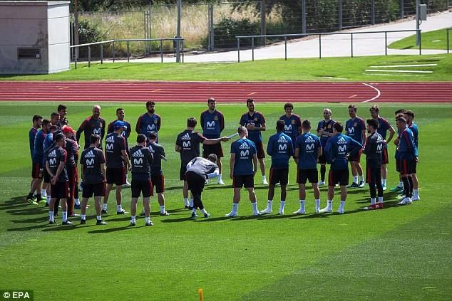 Toàn đội đang hưng phấn hướng đến trận giao hữu duy nhất với Thụy Sỹ trước khi bước vào World Cup 2018