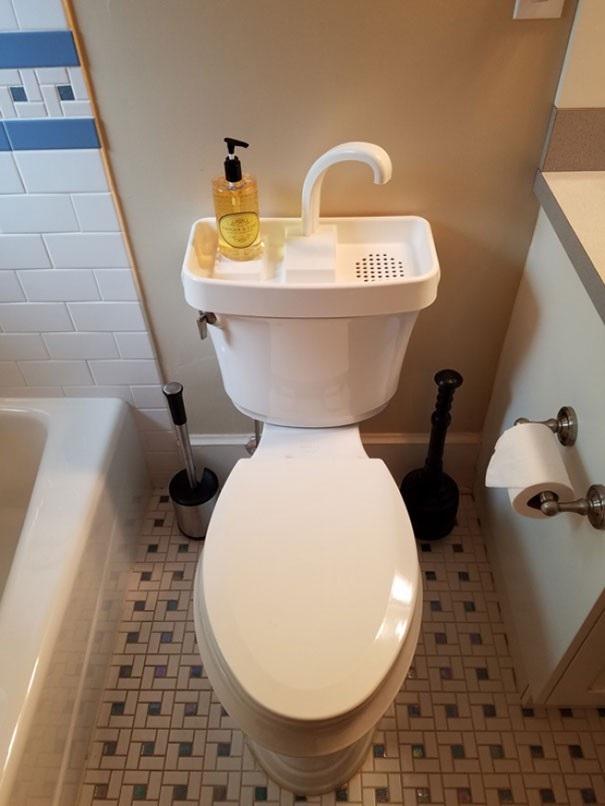 Thiết kế bồn rửa tay tiết kiếm nước tại Nhật Bản: nước rửa tay sau khi đi vệ sinh có thể tận dụng cho lần xả bồn cầu tiếp theo