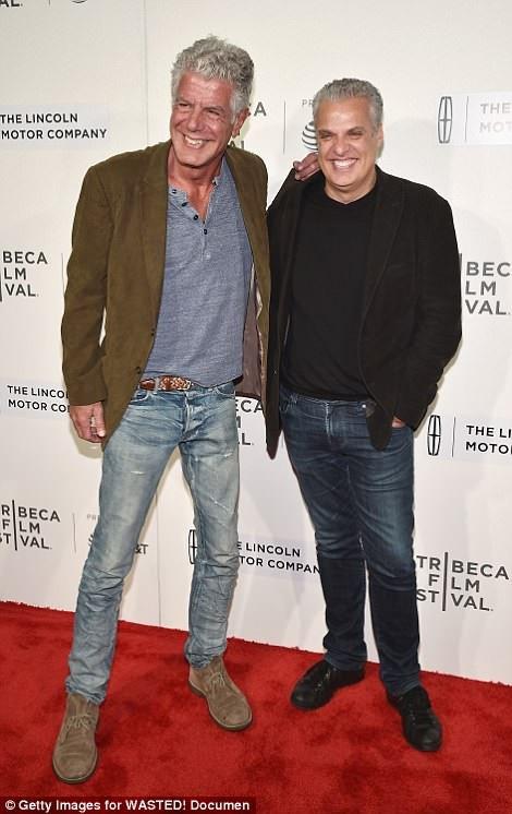 Éric Ripert, bạn thân của Bourdain là người phát hiện ra Bourdain treo cổ tự vẫn trong phòng khách sạn