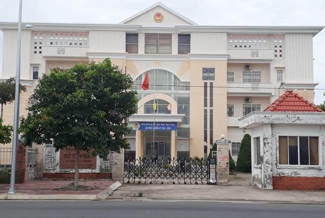 Chủ tịch tỉnh Cà Mau yêu cầu Giám đốc Sở Tư pháp tỉnh này rút kinh nghiệm vì còn né tránh trách nhiệm.