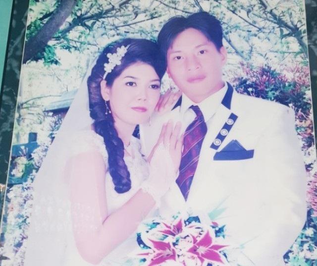 Hình ảnh công dân Lâm Thị Mỹ Châu cưới vợ vào năm 2013.