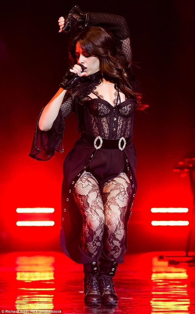 Camila Cabello biểu diễn tại London, Anh quốc tối 11/6 vừa qua