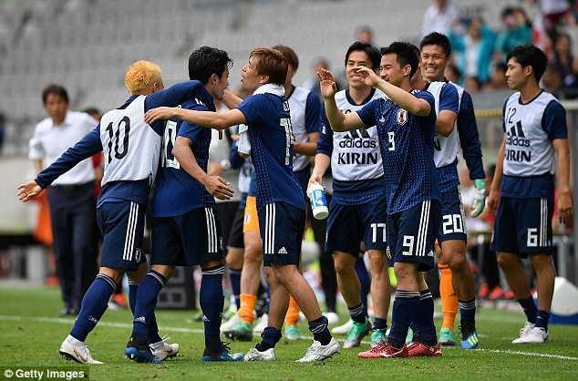 Nhật Bản tạm thời xua tan u ám trước World Cup 2018