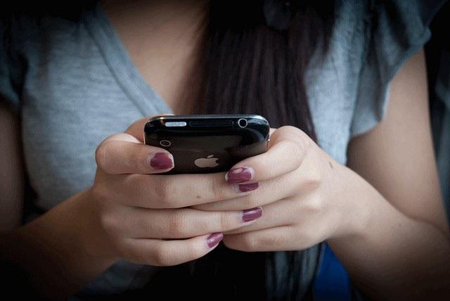Apple cấm đào tiền ảo bằng iPhone, iPad