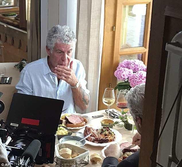 Thi thể siêu đầu bếp Anthony Bourdain đã được hỏa táng tại Pháp, vài ngày sau khi ông qua đời (ảnh: 1 trong những bức ảnh cuối chụp Anthony Bourdain trước khi ông tự tử hôm 8/6 vừa qua)