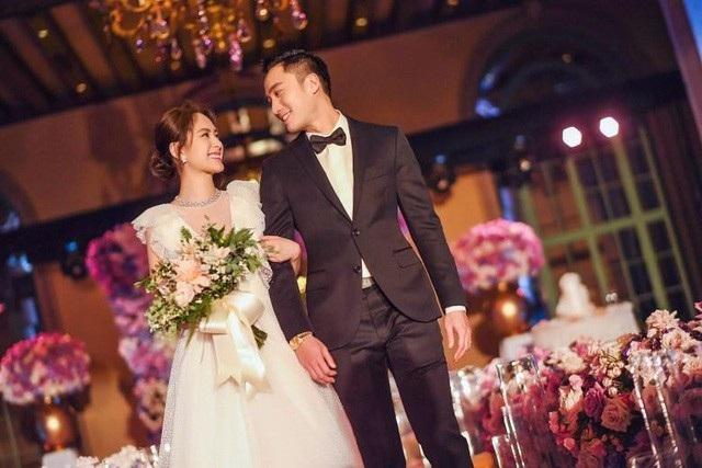 Sau hôn lễ, Chung Hân Đồng chưa quay lại làm việc. Trước mắt, cô muốn dành thời gian cho gia đình.