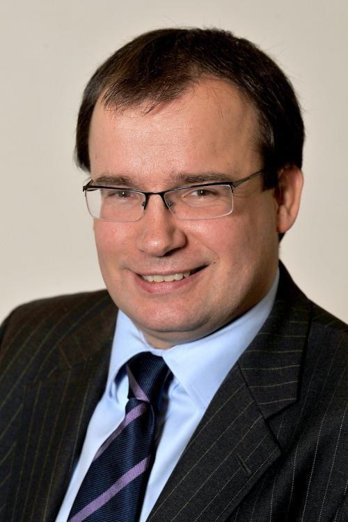 Ngài Gareth Thomas - Cựu Bộ trưởng Bộ Ngoại giao Anh.