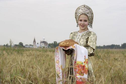 Tại sao người Nga đón khách với bánh mì và muối? - 4