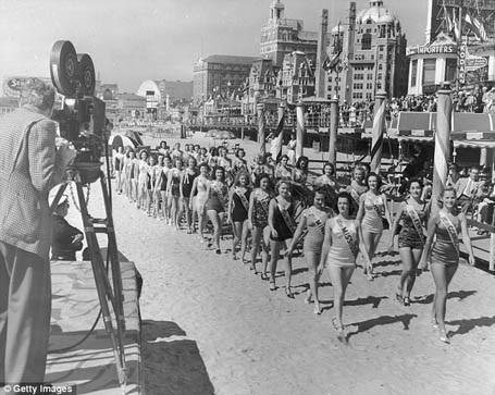 Các người đẹp tham dự cuộc thi Hoa hậu Mỹ 1939.